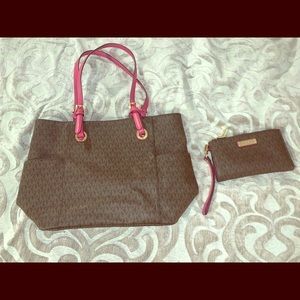 Matching Michael Kors purse and wallet set